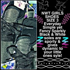 🎀NWT  SIZE 3 Everyday Shoes Black & Sparkly